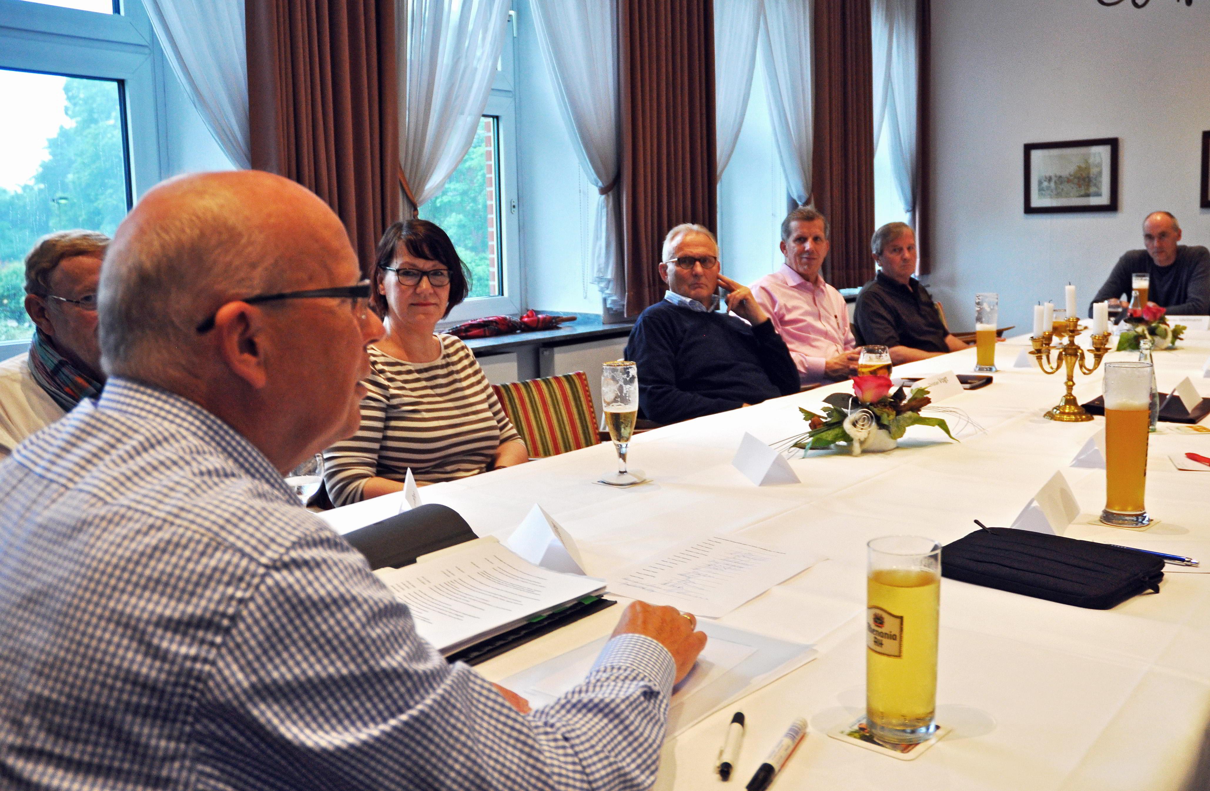 Treffen Stiftungen  Kreis COE-005